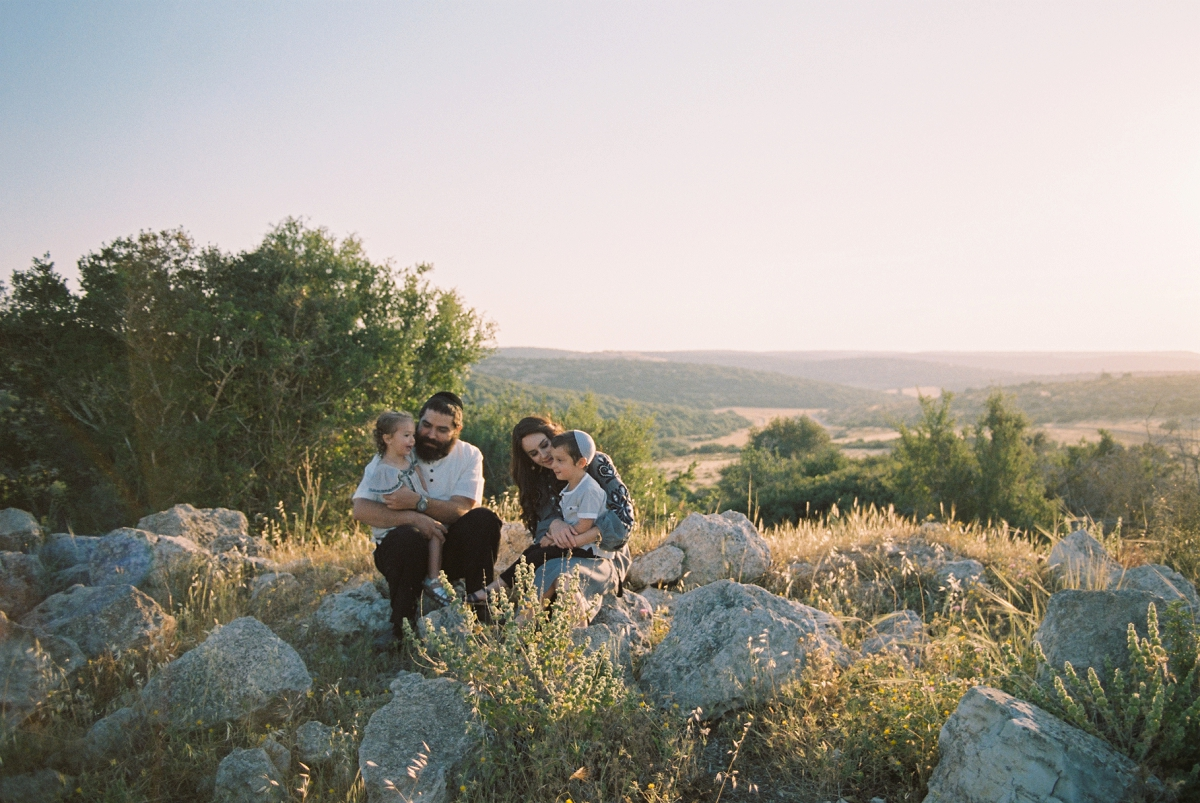 Family Portrait in Ella Valley Israel - Sigala Photography